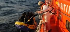البحرية الملكية تنقذ مهاجرين عالقين في البحر مند 4 أيام
