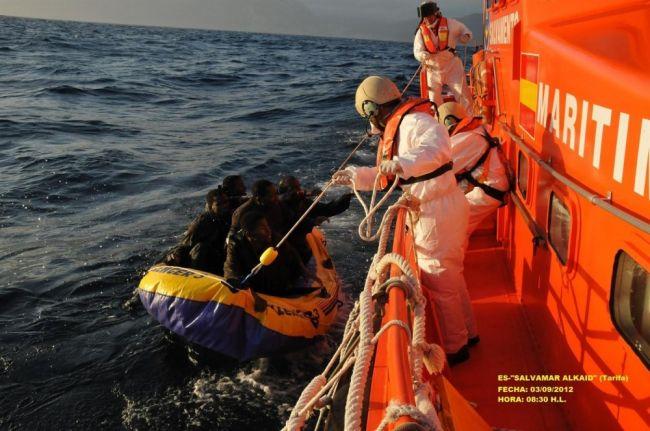 انقاذ 140 مرشحا للهجرة السرية بعرض البحر الأبيض المتوسط