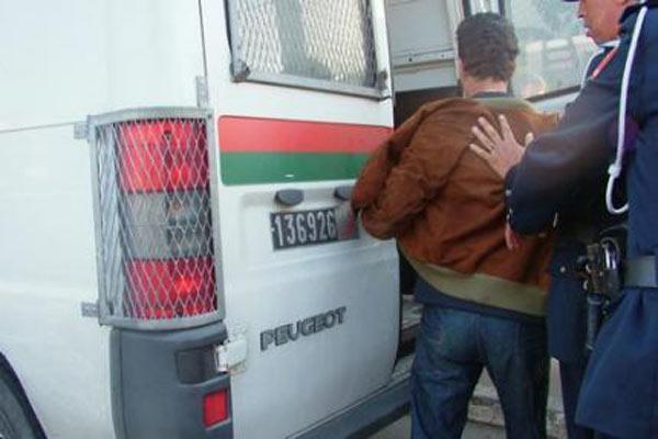 تاجر مخدرات يهاجم عناصر الأمن بقنينة غاز بأرض الدولة في طنجة