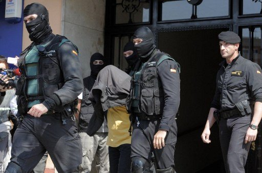 اسبانيا.. تفكيك شبكة متخصصة في قرصنة الحسابات البنكية من بين أعضائها مغاربة