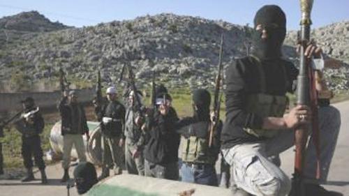 الأردن ينفي وجود آلاف المقاتلين السوريين المدربين فوق أراضيه