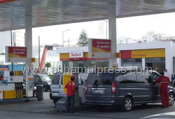 الحكومة تؤكد أن أسعار الغازوال والبنزين ستبقى مستقرة الى غاية 15 يناير 2014