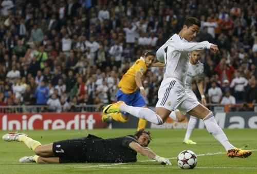 ريال مدريد يقترب من الدور الثاني بعد تغلبه على يوفنتوس المتراجع
