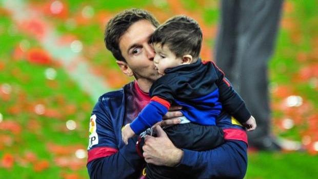 ميسي يطلق حملة بالتعاون مع اليونيسيف احتفالا بعيد ميلاد ابنه