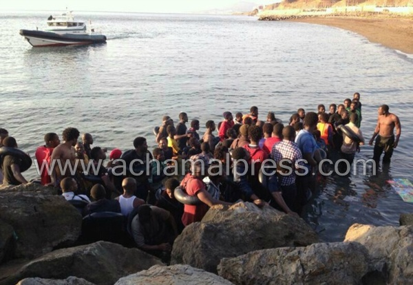 حوالي 600 مهاجر في وضعية غير قانونية يحاولون الدخول بالقوة إلى مليلية المحتلة