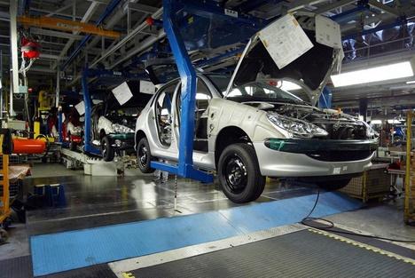 """شركة """"بيجو"""" الفرنسية تخطط لإفتتاح خط إنتاج جديد للسيارات بطنجة"""