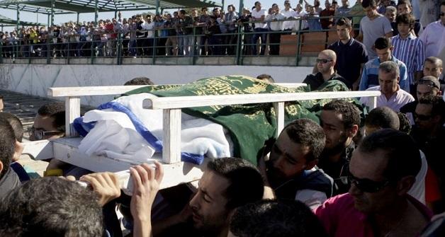 سكان مليلية المحتلة يحتجون على مقتل شابين برصاص البحرية الملكية بسواحل الناظور