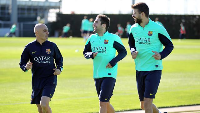 جوردي ألبا يعود لتدريبات برشلونة بعد شفائه من الإصابة