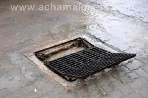 مشكل الروائح الملازمة لبالوعات الصرف الصحي يزعج سكان طنجة