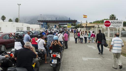 القضاء يؤكد مشروعية عمليات التفتيش التي تقوم بها إسبانيا في جبل طارق