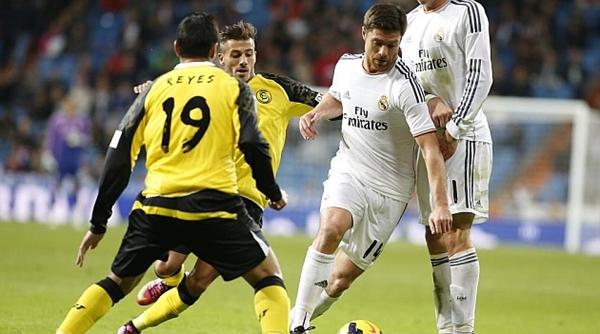 تشابي ألونسو يرحب بالتجديد لريال مدريد عن الإنتقال لتشيلسي