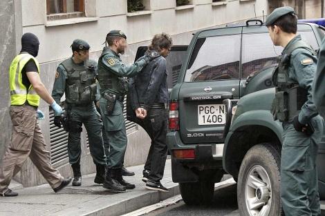 إعتقال سبعة أشخاص بطريفة للاشتباه في تهريبهم لأزيد من طن من المخدرات