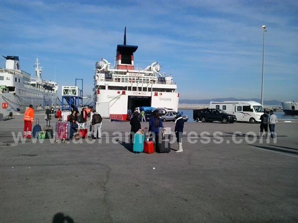 أزيد من 43 ألف مهاجر مغربي عبروا ميناء طنجة المتوسطي لقضاء عطلة رأس السنة