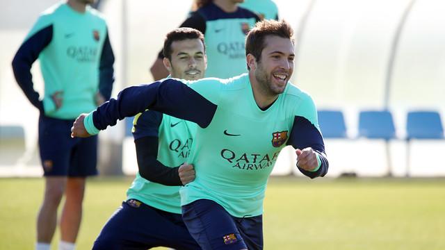 ألبا يعود لتدريبات برشلونة ويقترب من المشاركة من جديد