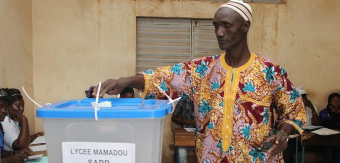 إسبانيا ترحب بحسن سير الانتخابات البرلمانية في مالي