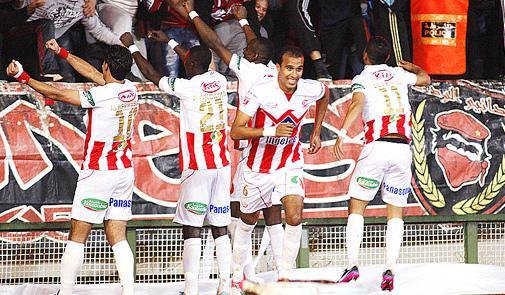 لاعبو الوداد البيضاوي يقاطعون التداريب احتجاجا على مستحقاتهم