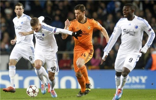 ألونسو قادر على اللعب مع ريال مدريد رغم الإصابة