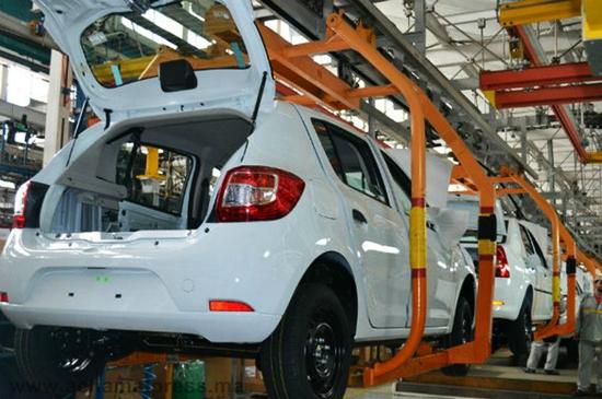 """مجموعة """"رونو"""" الفرنسية تحقق رقما قياسيا في عدد السيارات المنتجة خلال 2013"""