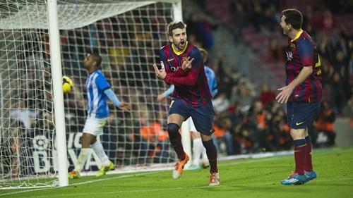 برشلونة يستعيد صدارة الدوري من فريقي مدريد بفوز كبير على ملقا
