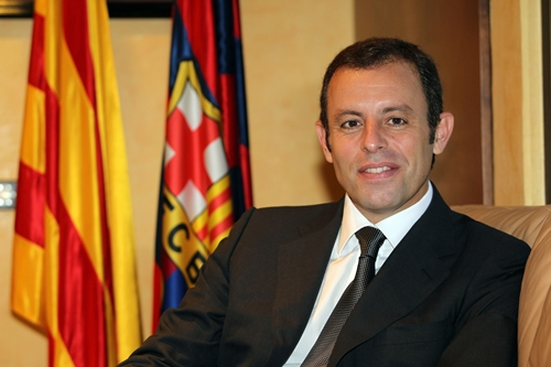 """صفقة انتقال """"نيمار"""" إلى برشلونة تعصف بروسيل وترغمه على الاستقالة"""
