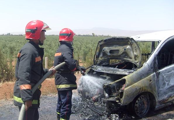 مصرع شخص تفحما وإصابة اثنين آخرين في حادثة سير بالقرب من تطوان