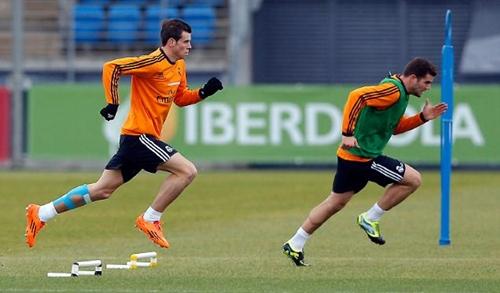 لاعبا ريال مدريد بيل وكوينتراو يستأنفان التداريب