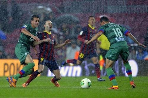 برشلونة يجدد تفوقه على ليفانتي ويصعد لنصف نهائي كأس الملك