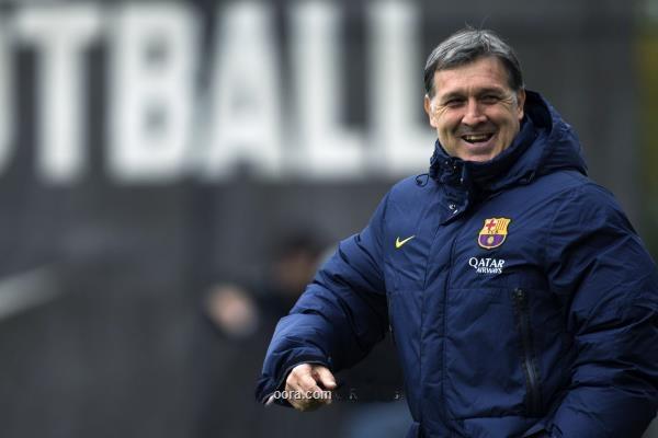 مارتينو : لاعبو برشلونة يستطيعون إنقاذ الفريق من أزمته الادارية