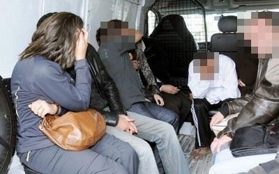 مداهمة شقة للدعارة بمرتيل وإيقاف خمسة أشخاص من بينهم عنصر في القوات المساعدة