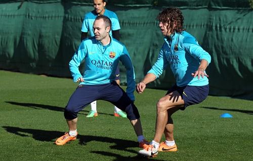 برشلونة يستعيد إنييستا وبويول قبل مواجهة ليفانتي