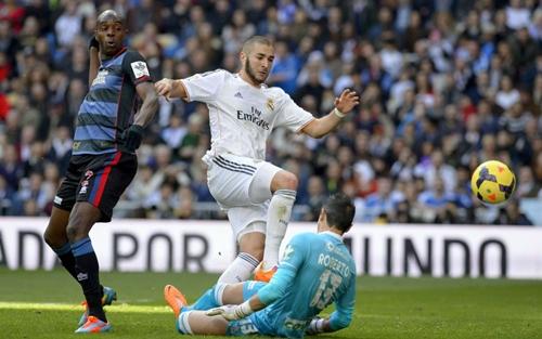 ريال مدريد يتغلب على غرناطة ويتصدر الترتيب مؤقتا
