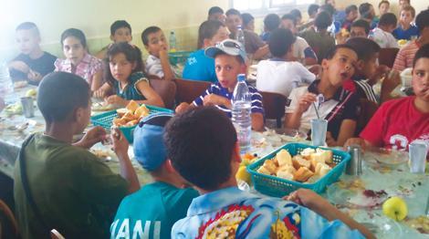 فضيحة أطعمة فاسدة تستنفرالنقابات التعليمية بنيابة إقليم فحص أنجرة