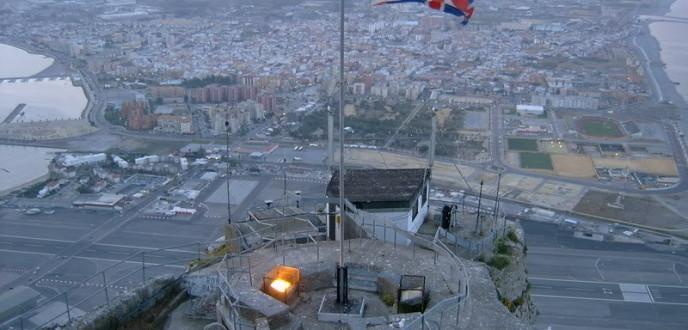 """صحيفة بريطانية تصف العلاقات بين إسبانيا وجبل طارق بأنها """"الأسوأ منذ عهد فرانكو"""""""