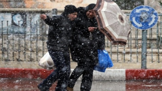 نشرة جوية خاصة تتوقع تساقطات مطرية وثلجية وانخفاض في درجات الحرارة