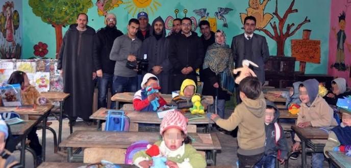 جمعية عيون للمصورين الصحفيين بطنجة تنظم نشاطا خيريا لفائدة الأطفال في وضعية صعبة