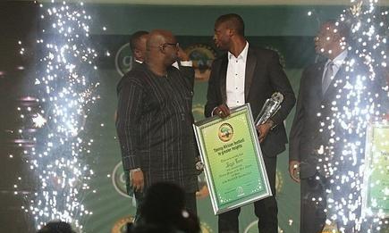 توريه يفوز بلقب أفضل لاعب في إفريقيا وأبو تريكة الأفضل محليا