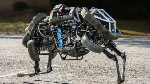 """شركة """"فوكسكون"""" تسعى لاستخدام روبوتات """"جوجل"""" في مصانعها"""