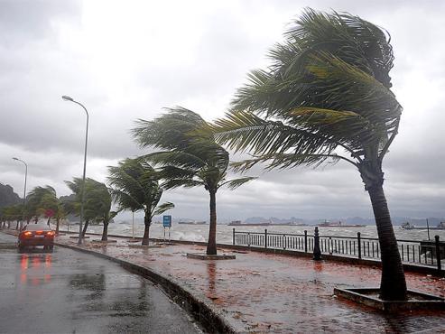 الجارة اسبانيا تعلن حالة الطوارئ في عدد من المناطق تحسبا لسوء الأحوال الجوية