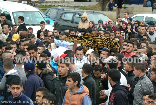 """المئات بطنجة يشيعون جثمان الشاب """" محمد علي"""" الذي توفي داخل مؤسسة زينب النفزاوية"""