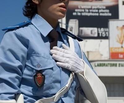 إيقاف مهاجر مغربي حاول إرشاء شرطية بميناء طنجة المتوسط لتهريب مخدرات