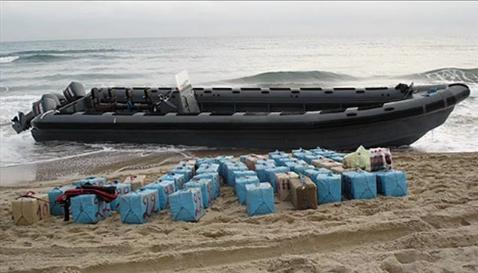 """إحباط محاولة تهريب 600 كلغ الشيرا انطلاقا من شاطئ """"قاع أسراس"""" بإقليم شفشاون"""