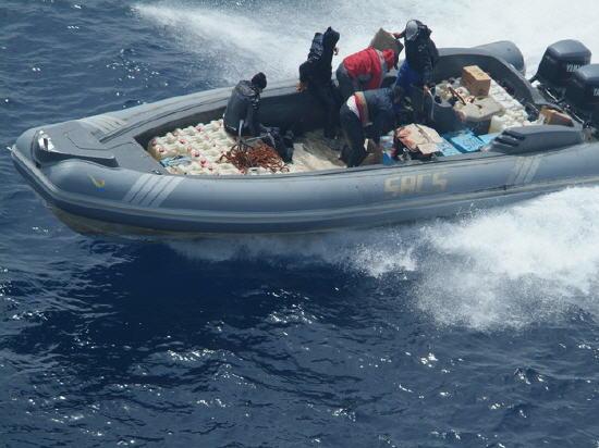 اعتراض قارب محمل بأزيد من طن من الحشيش بمضيق جبل طارق