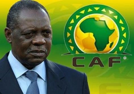 """""""الكاف"""" يطالب الجامعة باختيار الملعب الذي يفضل الأسود اللعب به في كأس إفريقيا"""