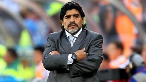 مارادونا يعود للملاعب مجددا مع ناد أرجنتيني درجة خامسة