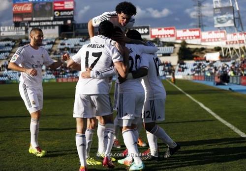 الريال مدريد يهزم خيتافي بثلاثية نظيفة ويقتسم قمة الليغا مع برشلونة وأتليتكو
