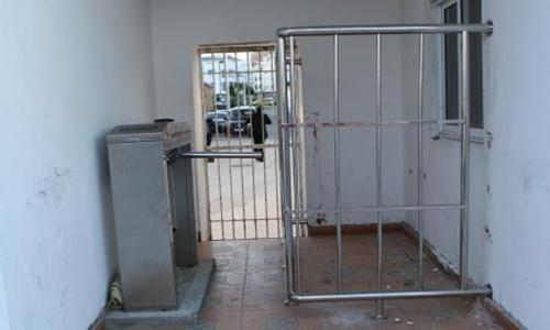 """ادارة """"الماط"""" تعلن عن افتتاح الأبواب الإلكترونية بجميع مداخل ملعب سانية الرمل بتطوان"""