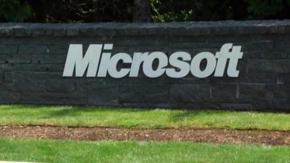 """تسريبات تكشف عن تورط """"مايكروسوفت"""" ببيع بيانات مستخدميها"""