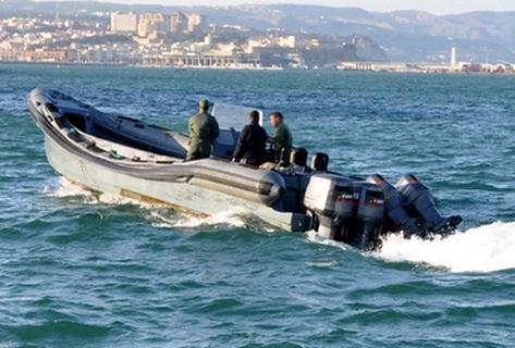 إعتقال مواطنين إسبانيين بسواحل العرائش للإشتباه في تهريبهما للمخدرات