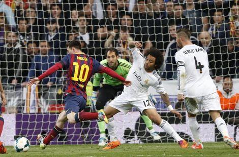 """برشلونة يحول هزيمته إلى إنتصار ثمين على الريال في مباراة تسيدها النجم """"ميسي"""""""