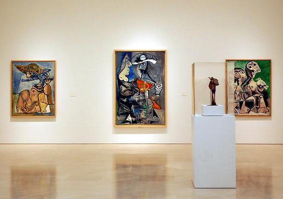 """خمس قارات تشارك في معرض فني ببرشلونة تحت عنوان """"ما بعد بيكاسو"""""""